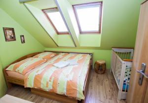 třetí ložnice B, 2 lůžka (manželské dvoulůžko)